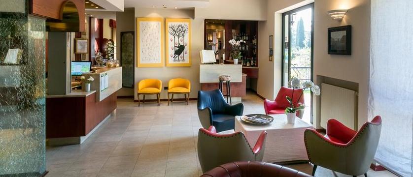 Hotel Mon Repos Reception.jpg